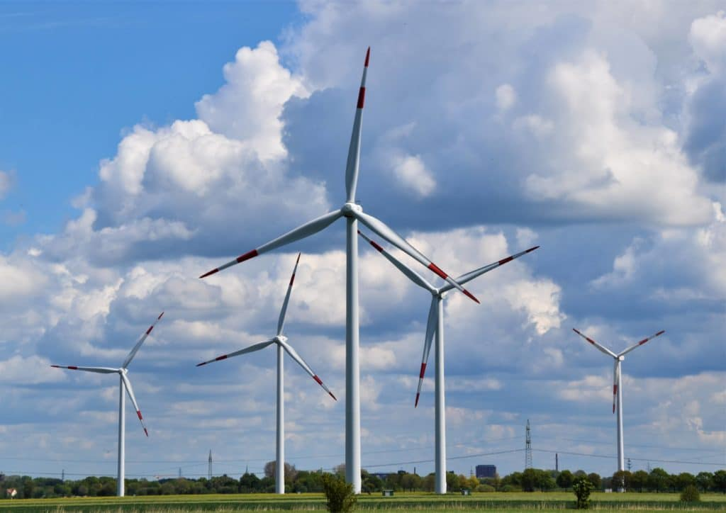 Renewable energy and impact investing: wind turbines